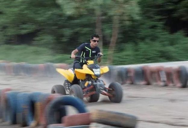 Four-Wheel Motor Track