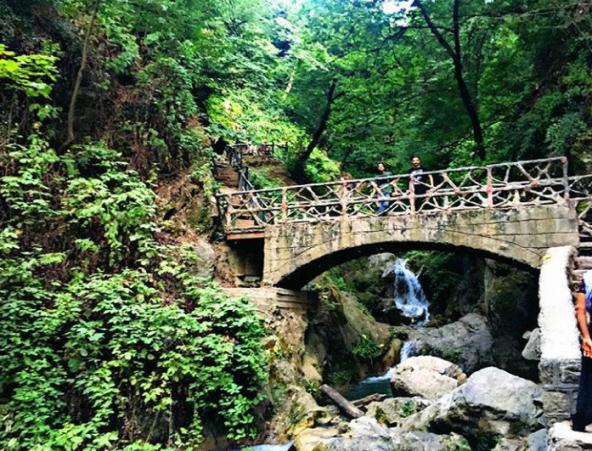 مسیر رسیده به آبشار کبودوال