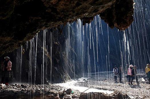 آبشار کبودوال در علی آباد کتول