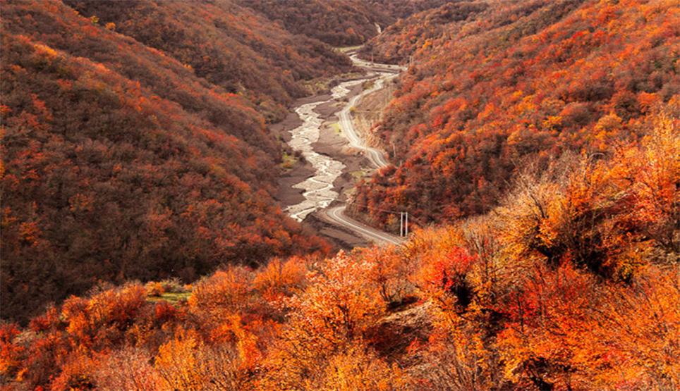 جاده آبشار کبودوال در استان گلستان