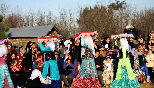 مراسم سنتی در روستای مازوپشت