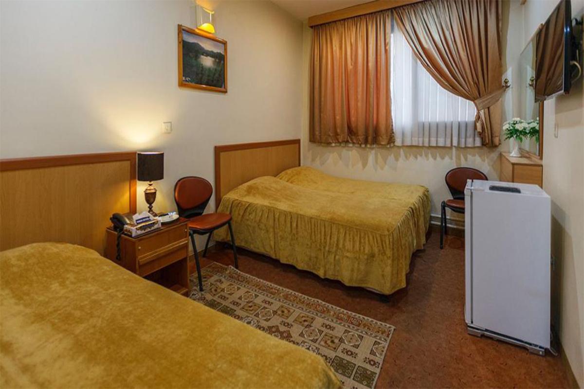 اتاق سه تخته هتل ساسان