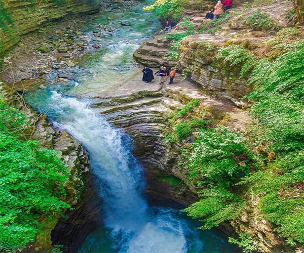 روستای مازوپشت و آبشار ویسادار