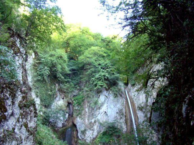 آبشار در روستای زیارت گرگان