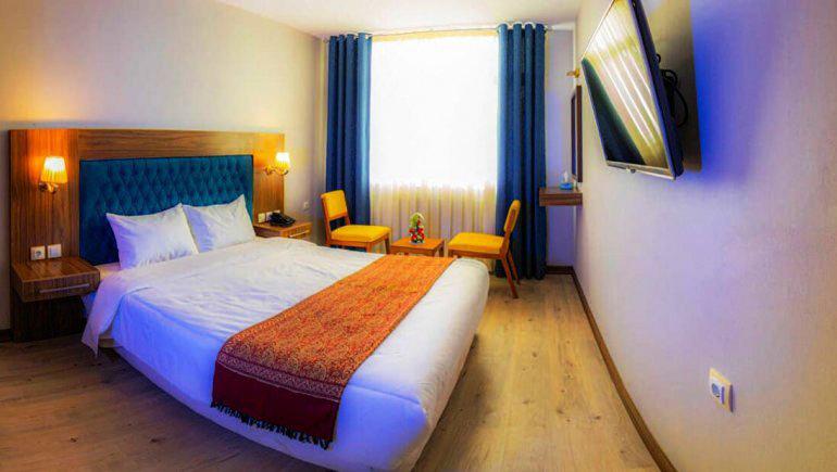 اتاق دو تخته دابل هتل آریانا در شیراز