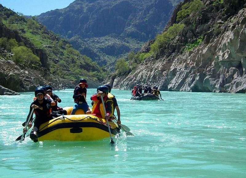 قایق سواری در دشت سوسن ایذه