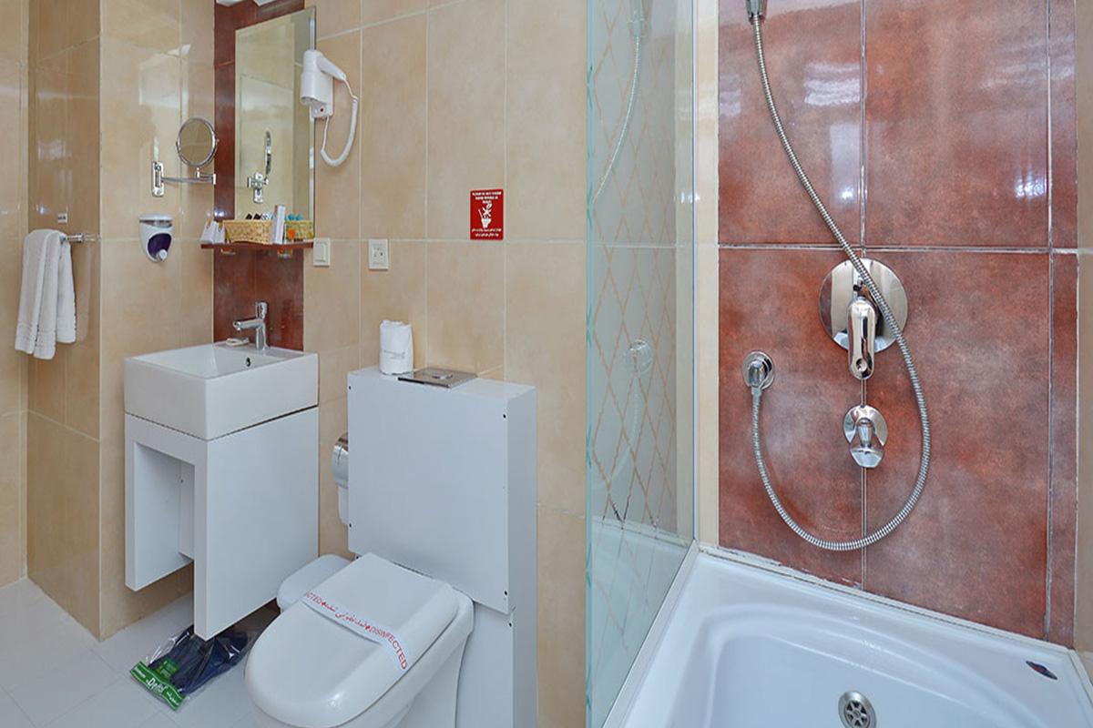 حمام اتاق دو تخته دو نفره هتل الیزه شیراز