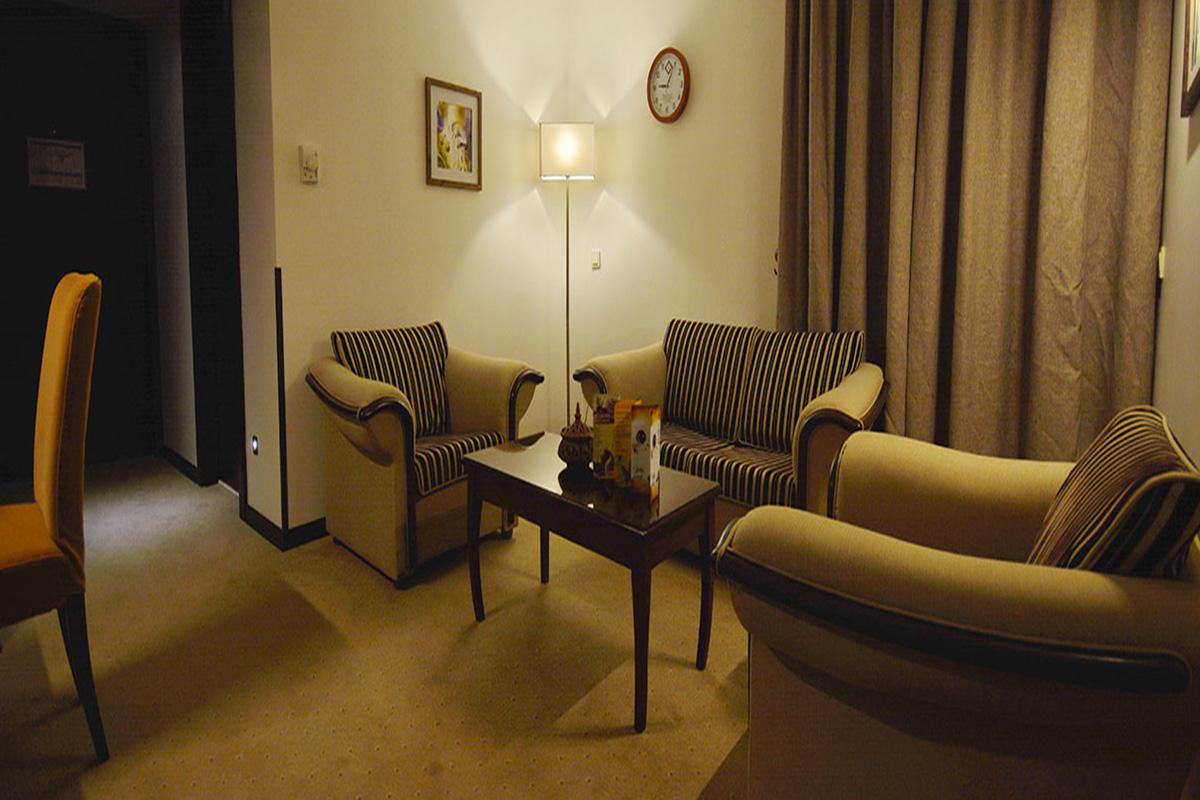 اتاق سوئیت هتل الیزه در شیراز