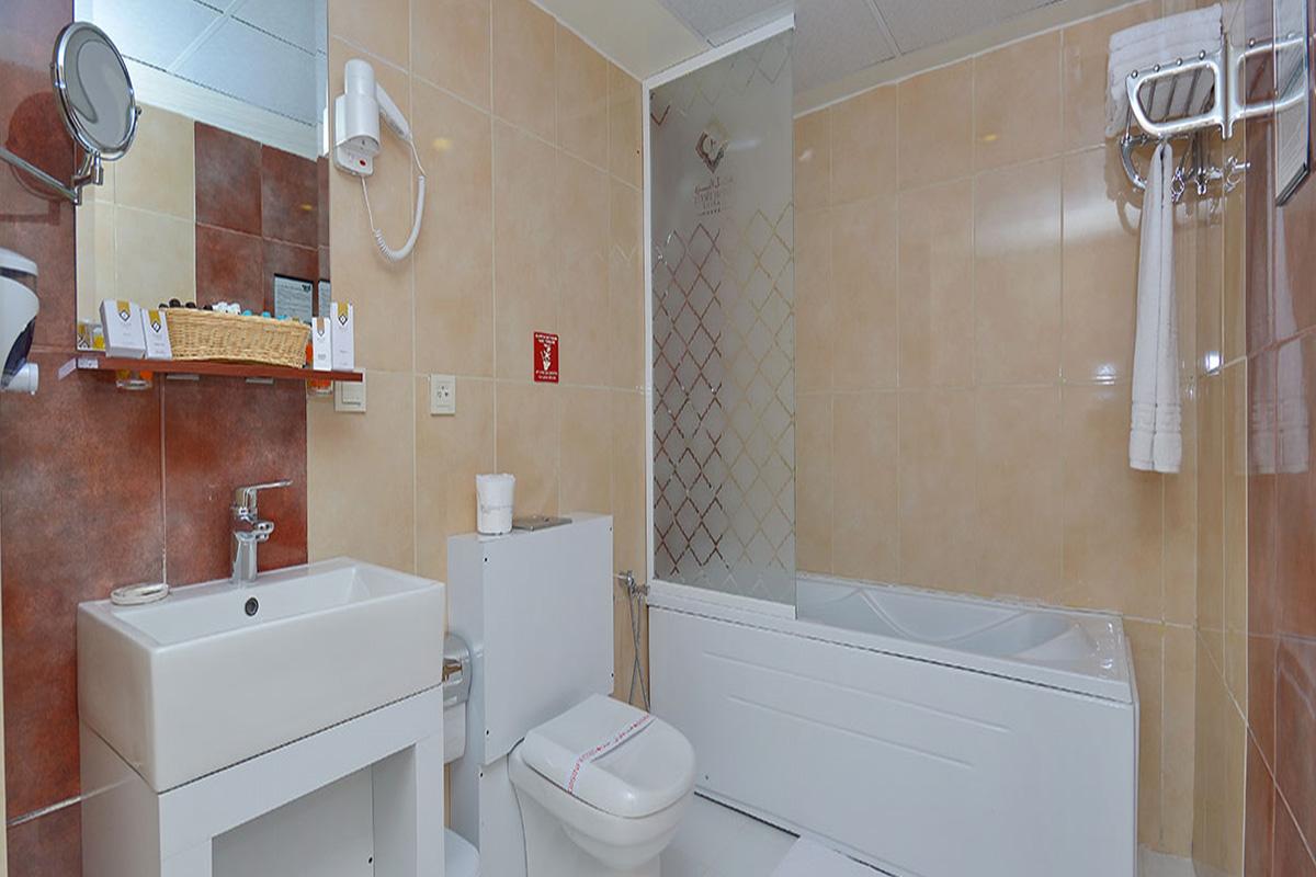 حمام اتاق سوئیت هتل الیزه