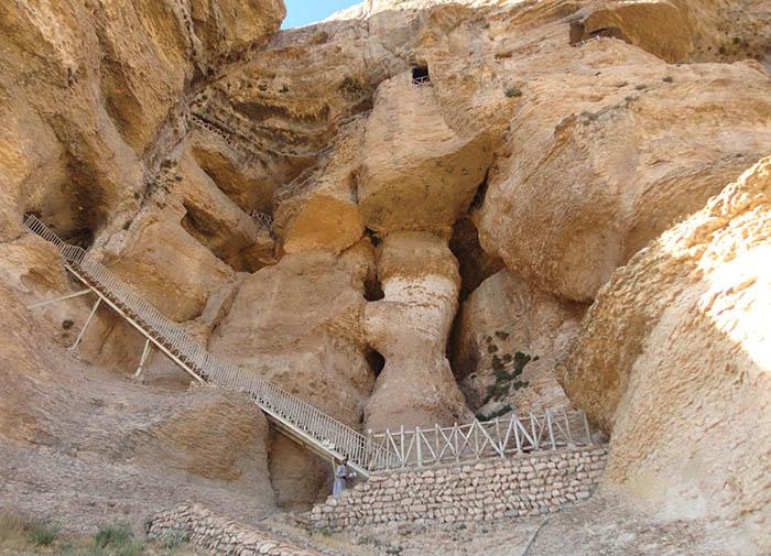 پلههای ورودی کرفتو