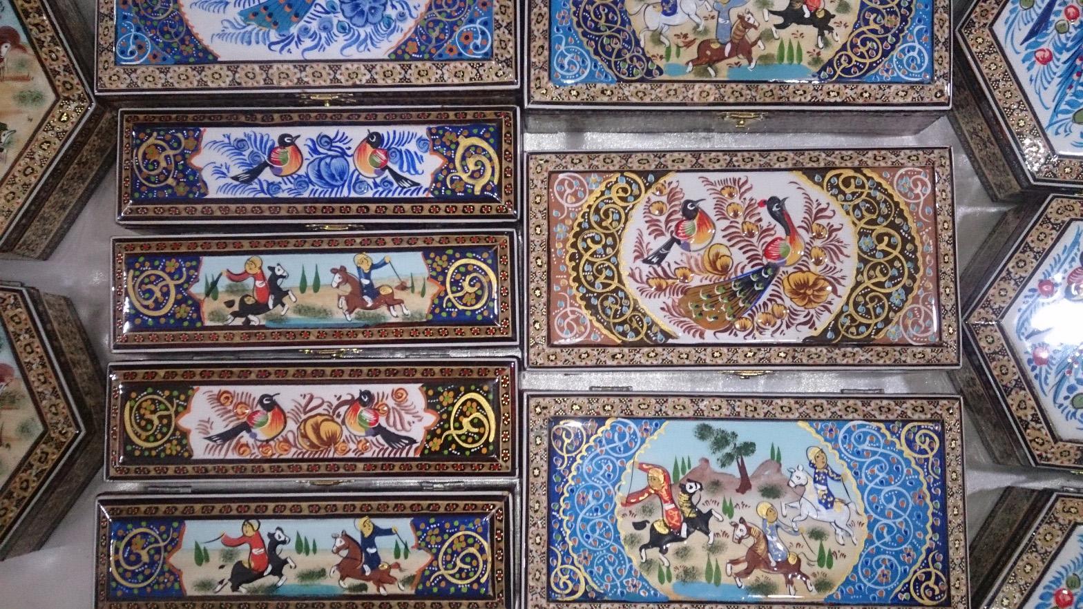 فروش صنایع دستی در ارگ کریم خانی شیراز