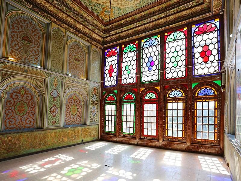تابیدن نور درون یکی از اتاقهای نارنجستان قوام