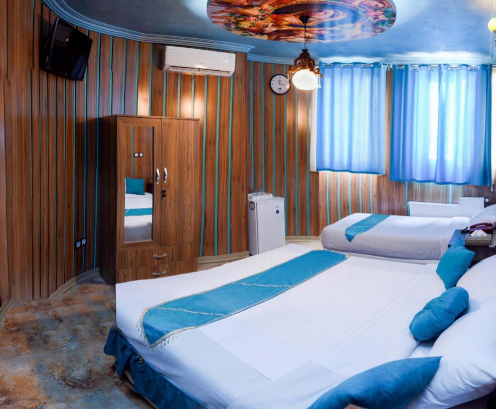 اتاق سه تخته هتل ریتون