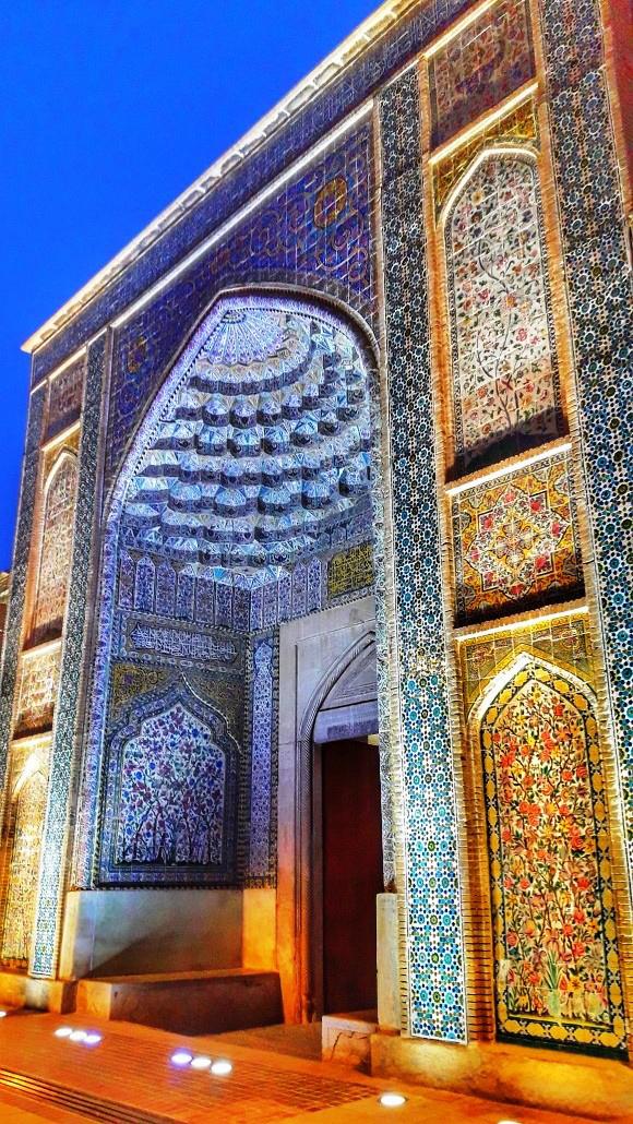 ورودی مسجد وکیل