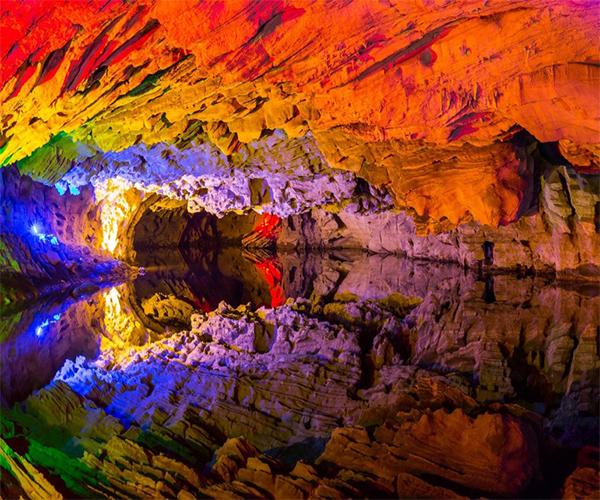 غار علی صدر همدان