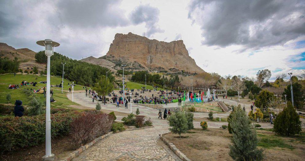تفریح در کوه صفه اصفهان