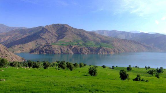 محیط آرام دریاچه زراس