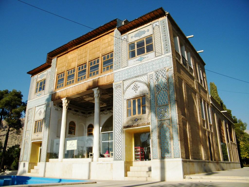 ساختمان موزه دلگشا