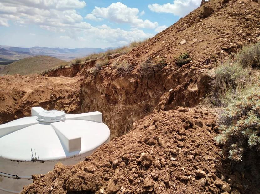 گذاشتن مخزن آب در کوه آسیاب کوهبنان